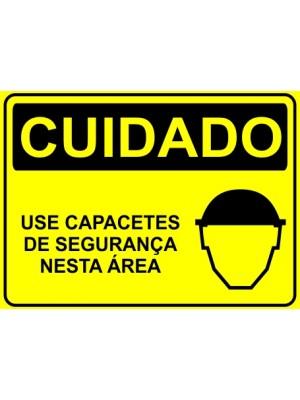 Placa de  Sinalizacao Cuidado Use capacetes de seguranca nesta area